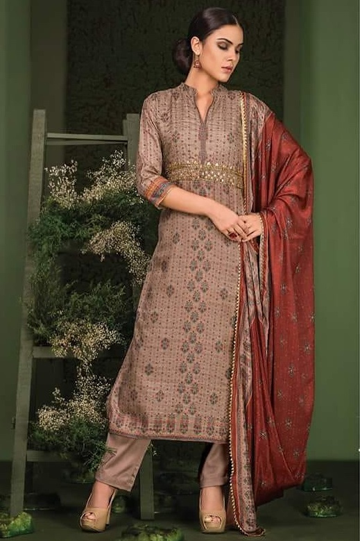 Sri Rangja Chandrakanta Silk Heavy Front Khatli Work Suits 700